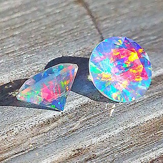 Faceted Round Rainbow 5mm. O-FR-R5